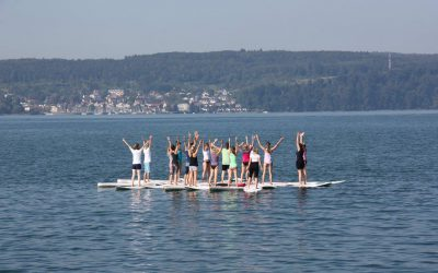 SUP Yoga mit SUP Board